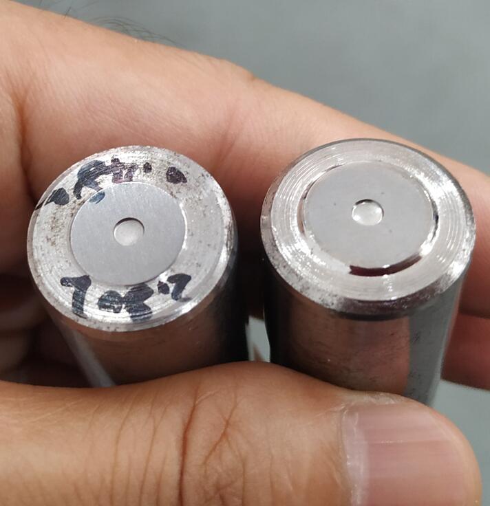 这种盲孔普通流体抛光机抛不成,得用镜面喷砂机